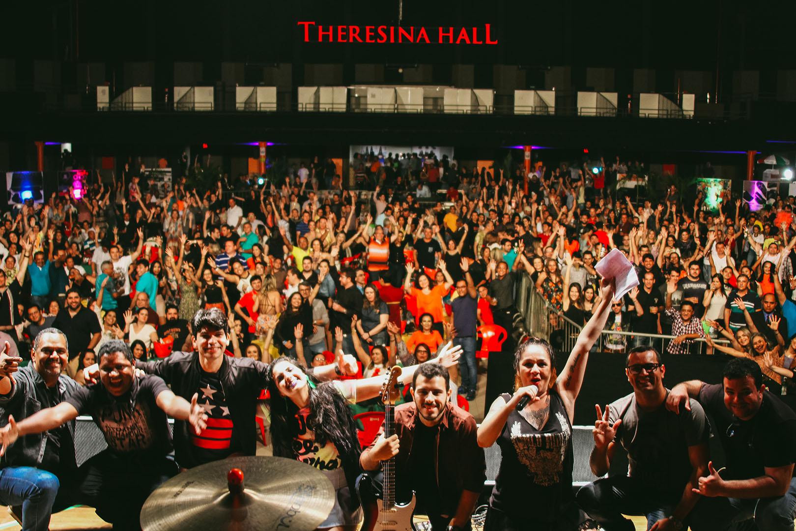 6aa92958fc037 Theresina Hall